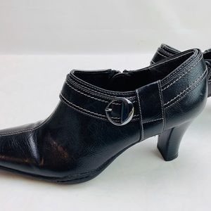 A2 by Aerosoles Black Leather Ankle Booties 8.5M